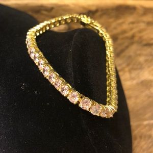 Jewelry - 🆕 pink gem gold plated 8 inch bracelet